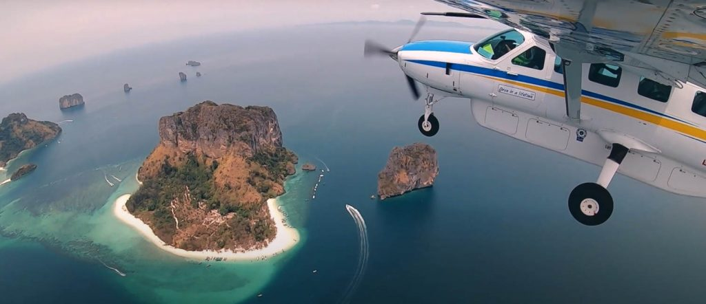 Flight over the Andaman Sea - the Best Luxury Experiences in Thailand