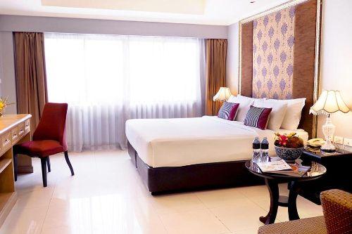ASQ-at-deluxe-room-furama-xclusive-bangkok