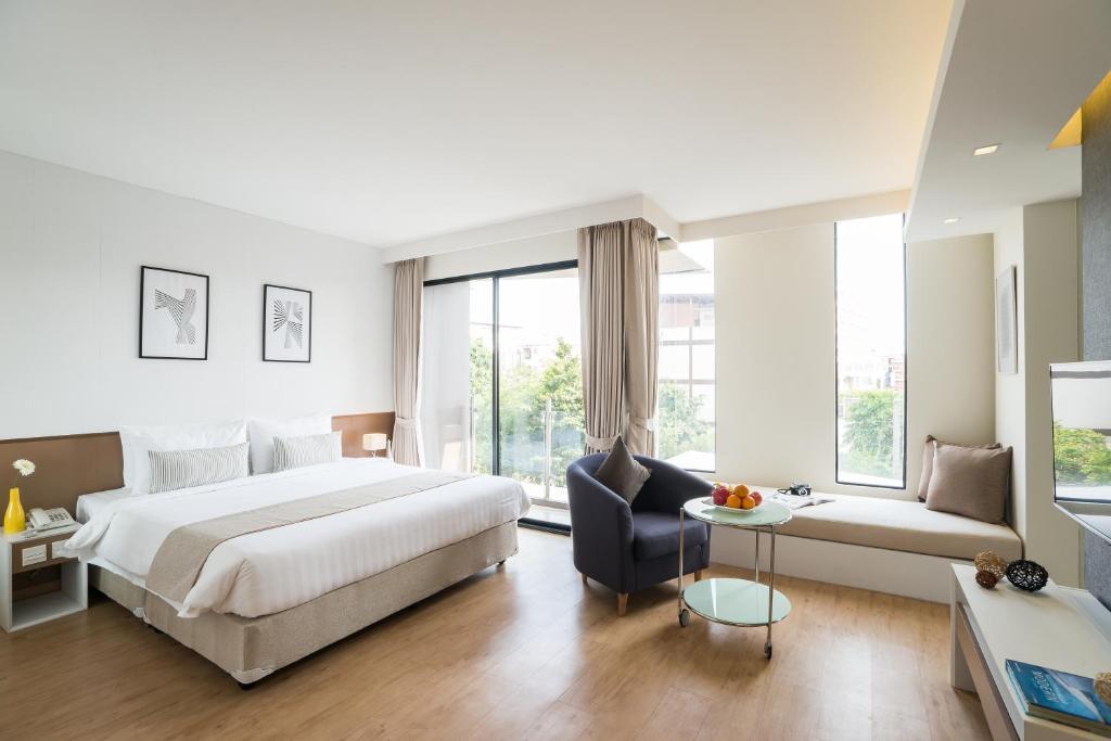 Deluxe-room-Aster-hotel-pattaya
